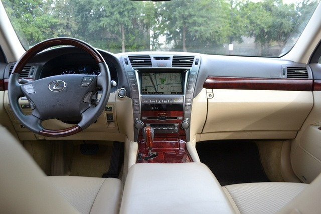 Lexus Touch Screen repair service in Coral Springs. Call Us Today 786-355-7660 Coral Springs Lexus Navigation Repair